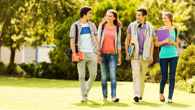 collegestudentswalking-blog-060517