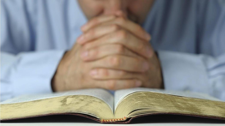 prayinghandsonbible-blog-052217