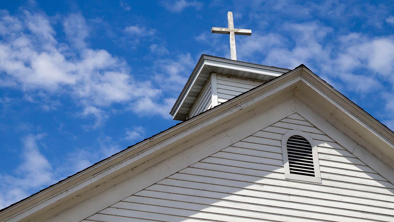 img-church-sky