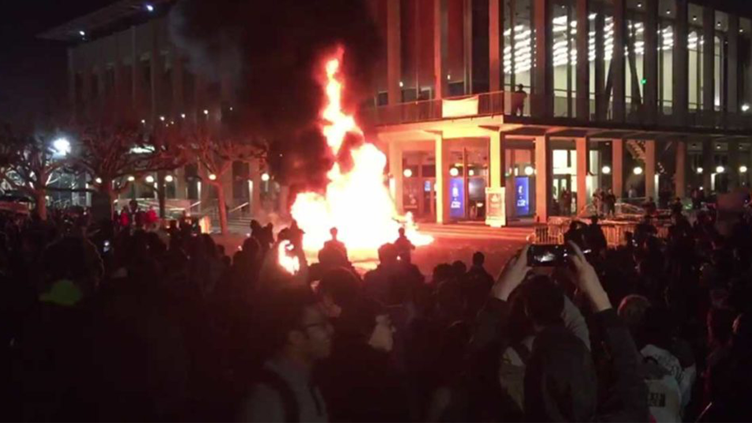 img-uc-berkeley-riots