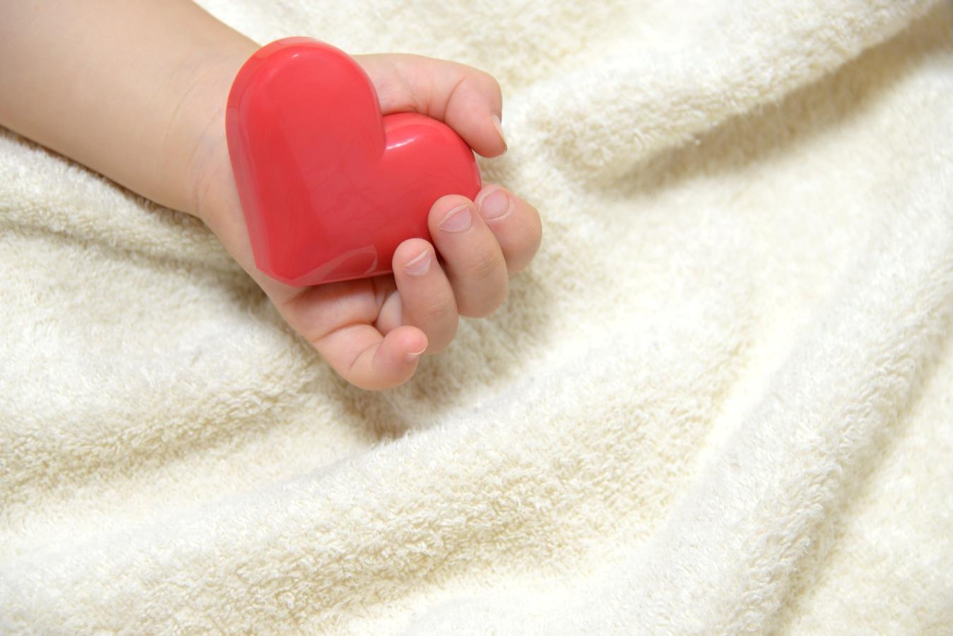 baby-heart-in-hand