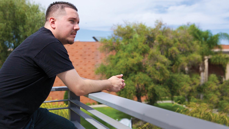 img-JonathanLopez-on-balcony