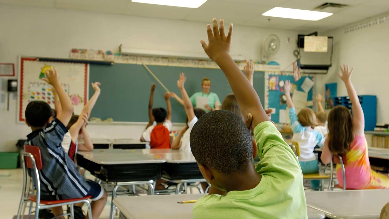 img-kids-in-classroom
