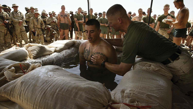 img-military-baptizing